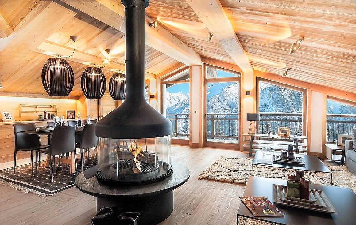 The stunning half chalet for sale in Courchevel