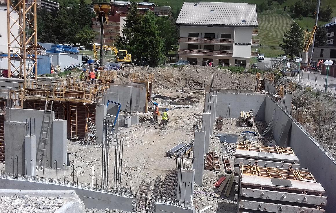 Construction underway of Les Deux Alpes apartments