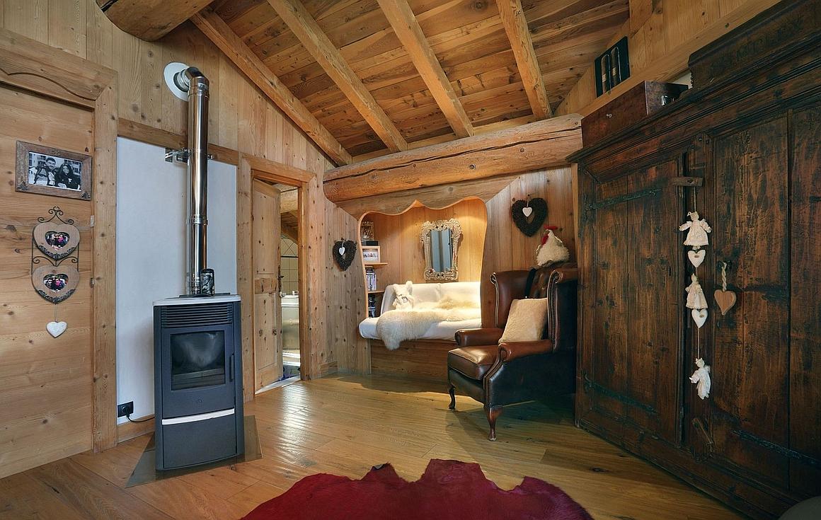 Log burner in master suite