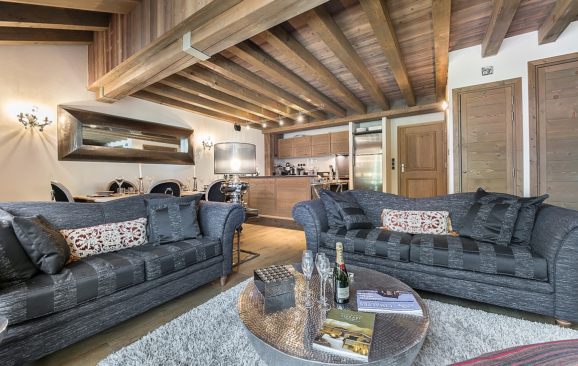 The living area of the apartment in Courchevel 1850