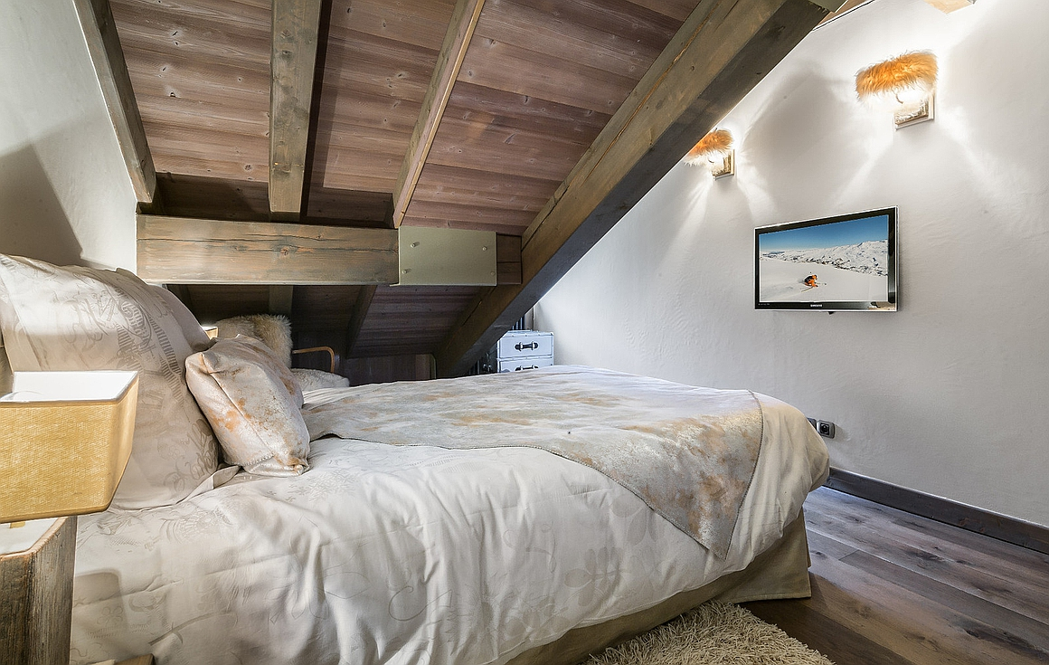 The bedrooms of the Courchevel 1850 apartment for sale