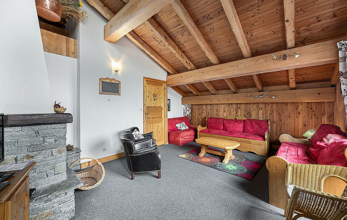 Spacious living area in chalet for sale La Tania