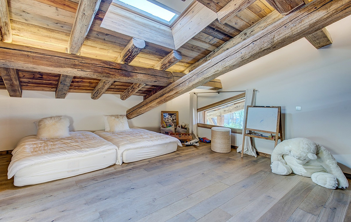 Bedrooms of the chalet for sale in Megeve