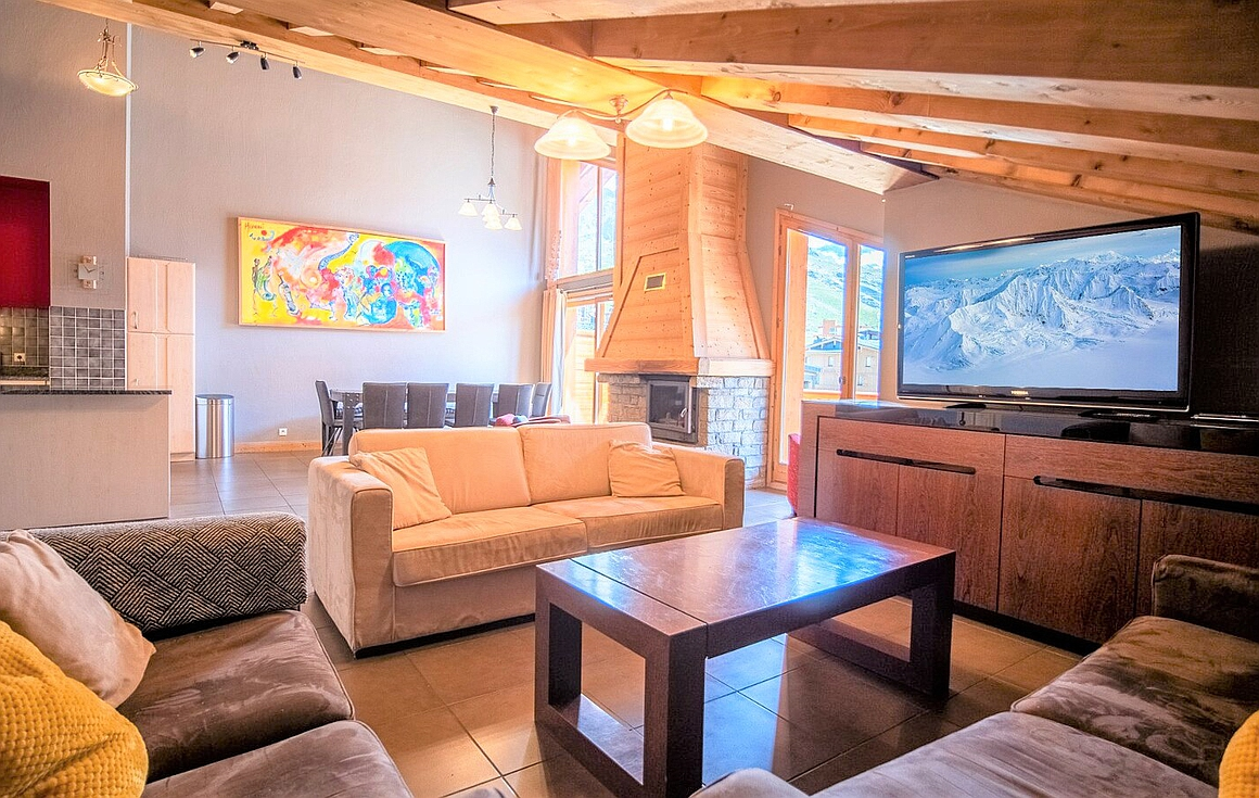Amazing 4 bedroom apartment for sale in Val Thorens