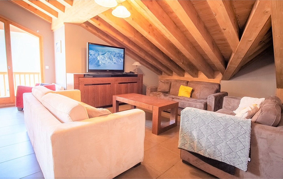 The interior of the Val Thorens apartment for sale