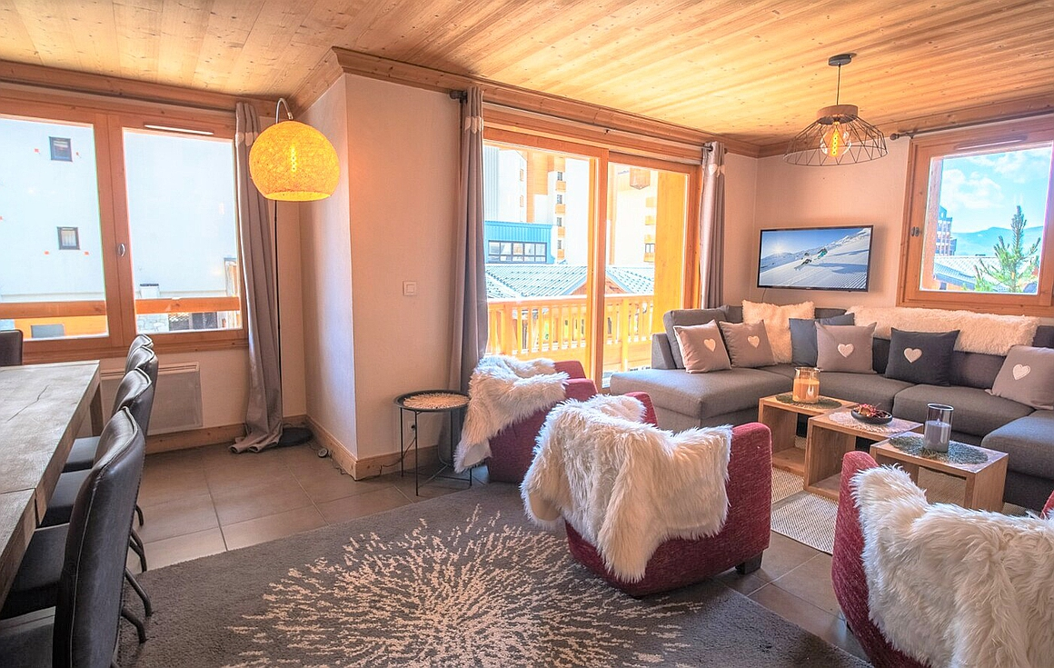 Amazing 5 bedroom apartment for sale in Val Thorens