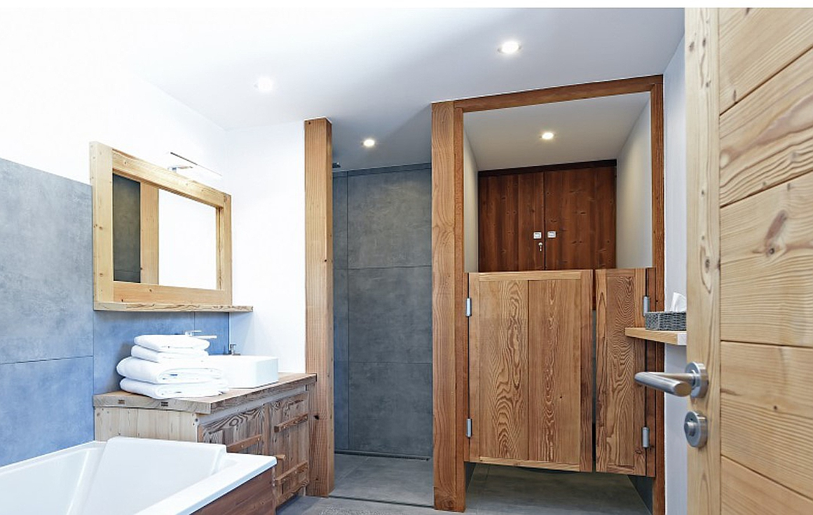 Finished bathrooms by Chatel developer