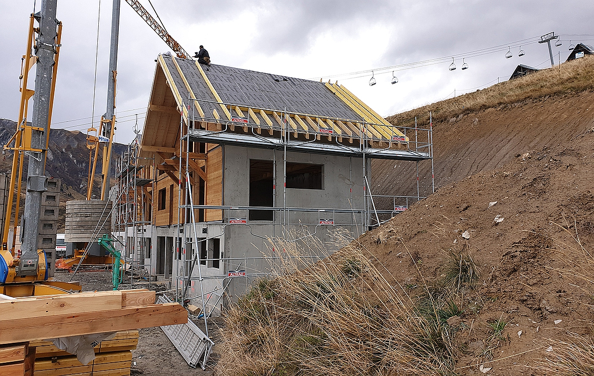 The chalets for sale in La Toussuire under construction