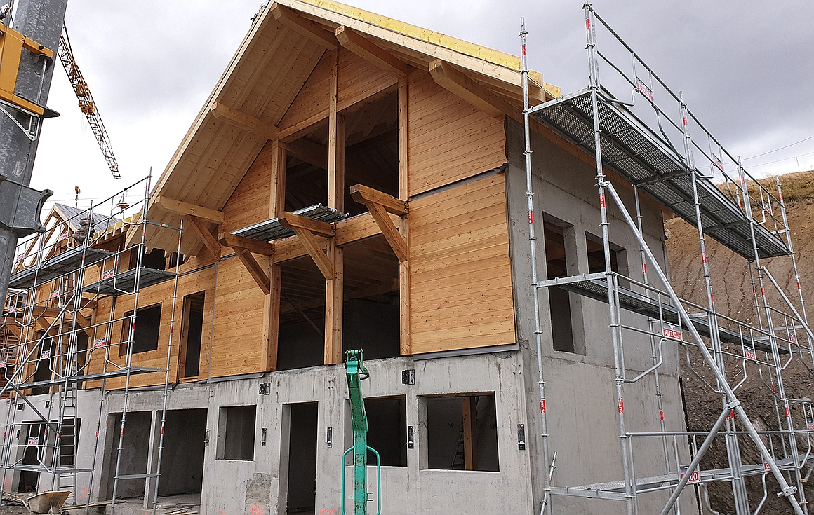 The chalets under construction