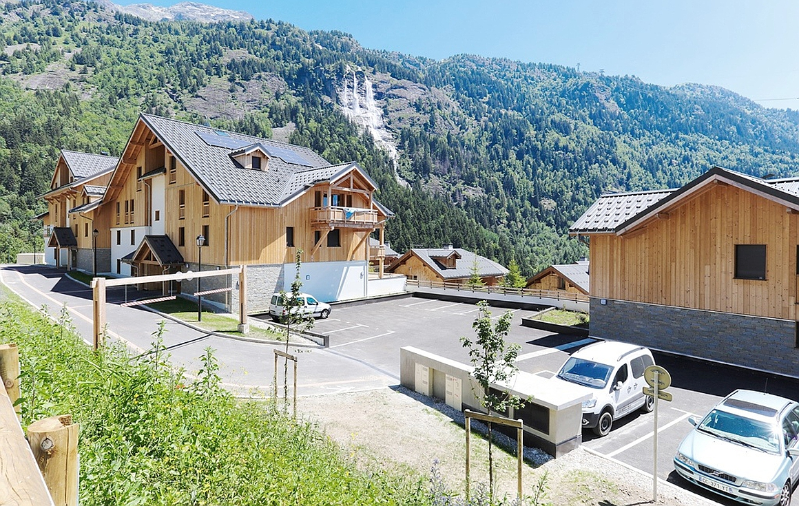 Finished apartments in another development (Vaujany)