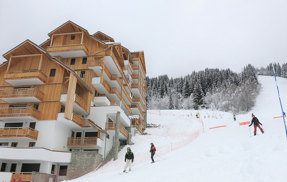 Ski in and out apartments in Oz en Oisans