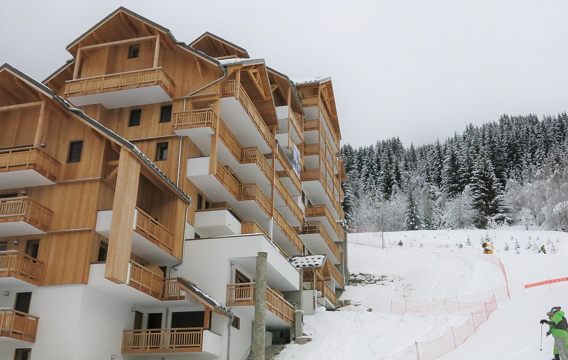 Ski in and out apartments on the slopes of Oz en Oisans