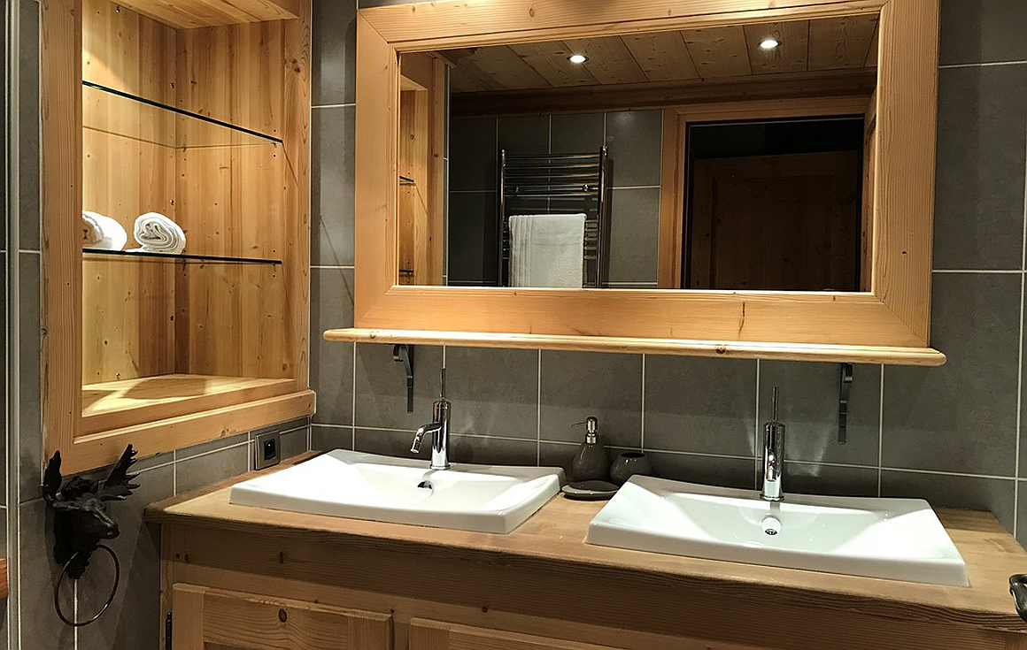 Bathrooms of the chalet