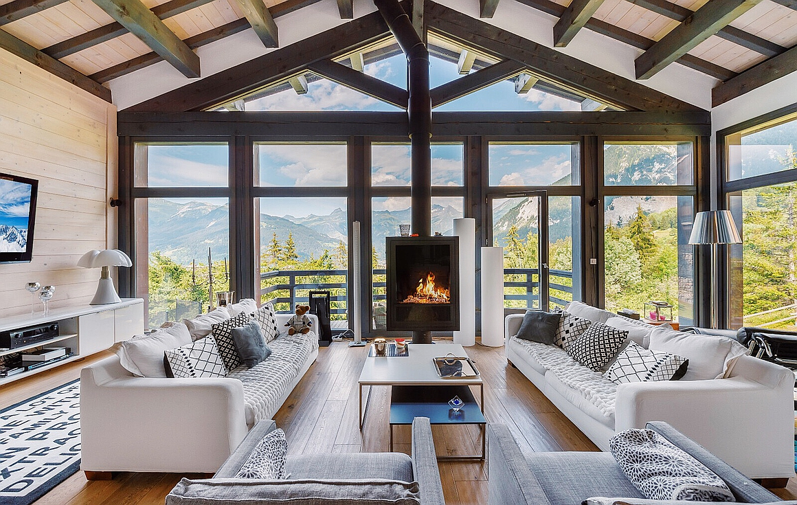 Living Room and the magnificent view in Courchevel