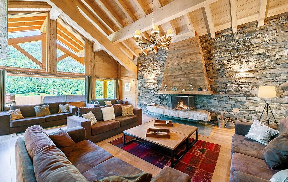 Living room of the chalet for sale in Meribel