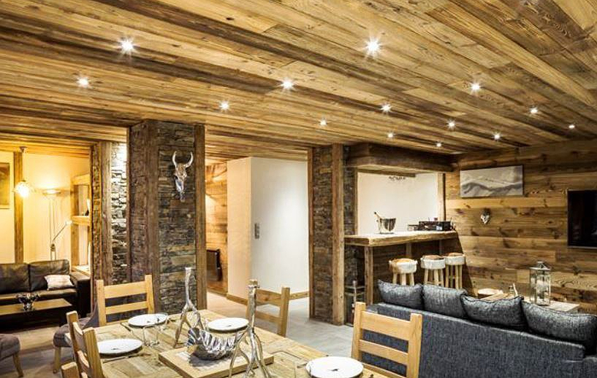 Materials - use of old wood and recessed spots