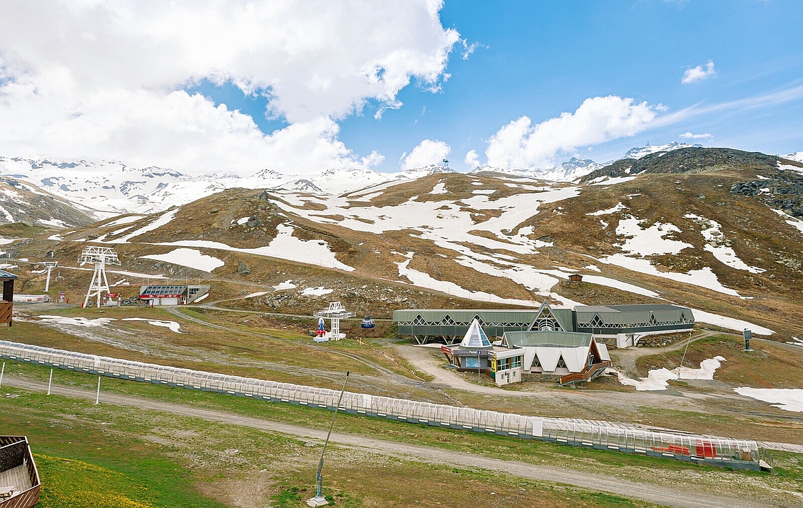 View from the apartment for sale in Val Thorens