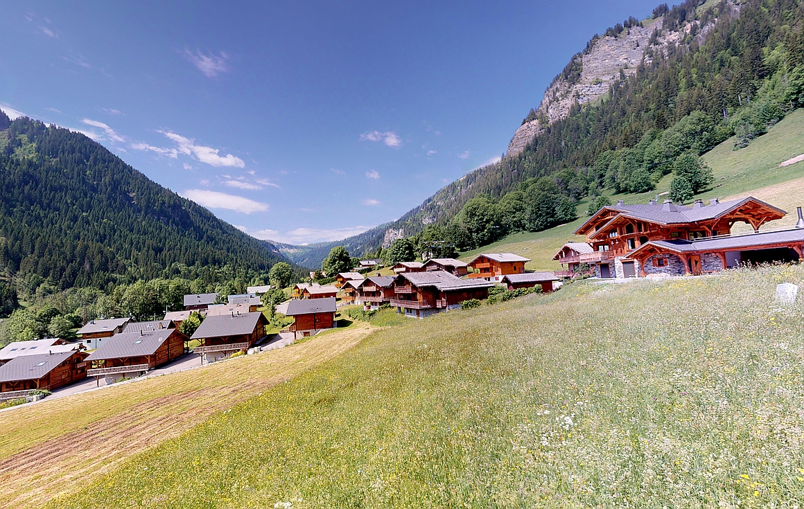 The area around the chalets