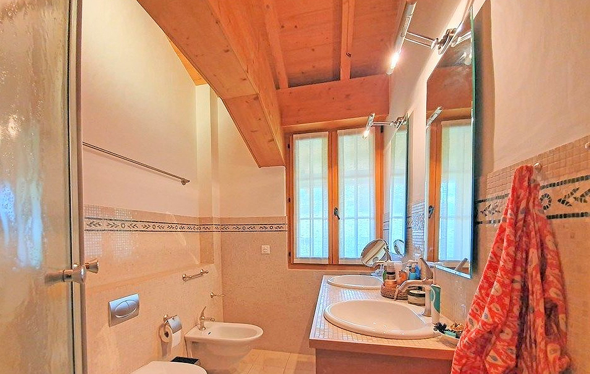 Chalet bathrooms