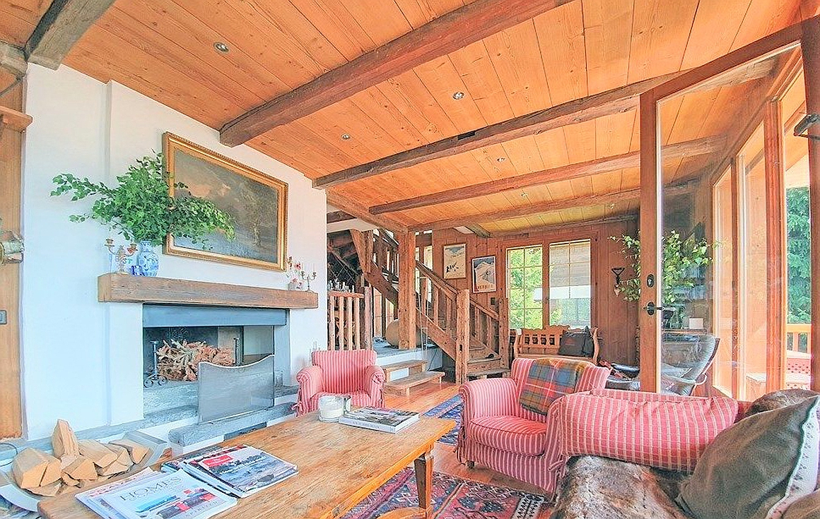 The chalet living room