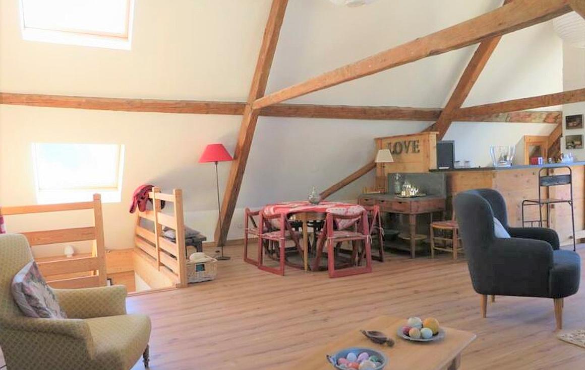 70m2 living floor