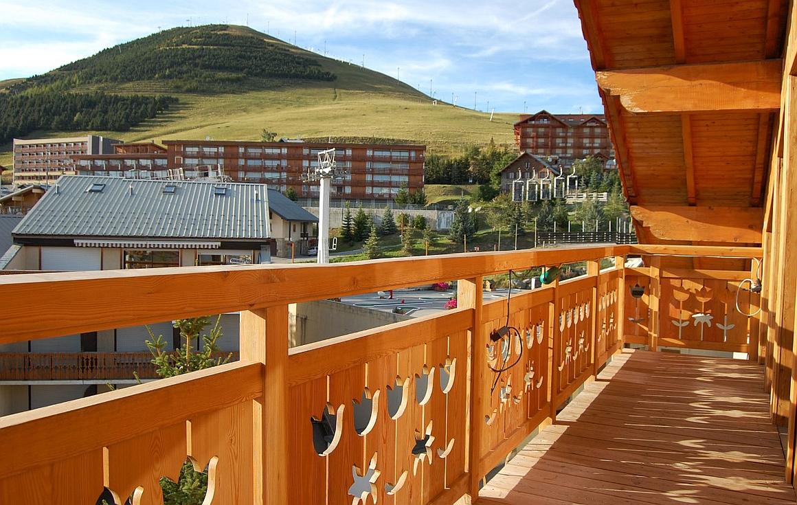 Balcony views and proximity to slopes