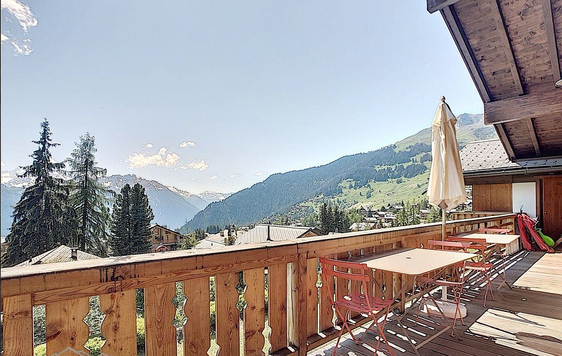Balcony of apartment for sale in Verbier