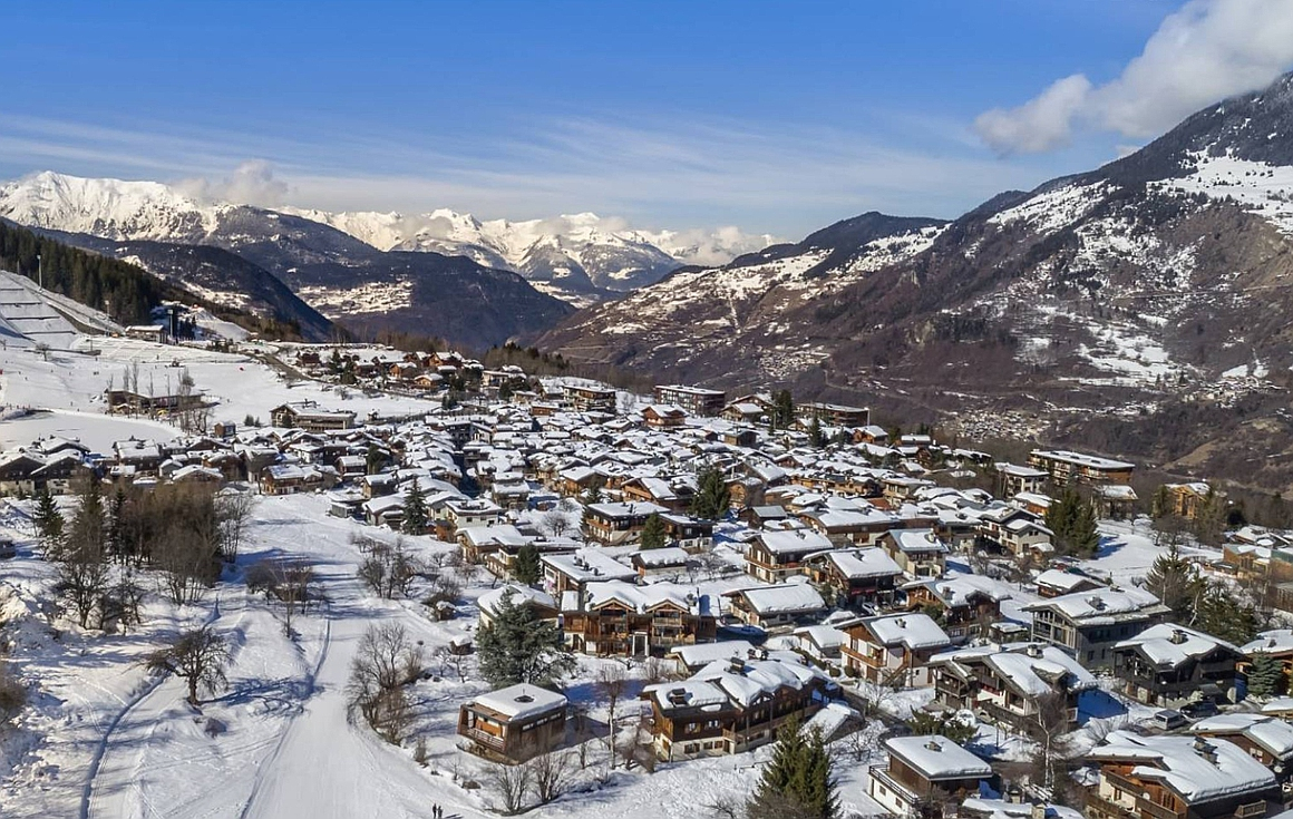 Le Praz chalets just released 100m from lifts/slopes