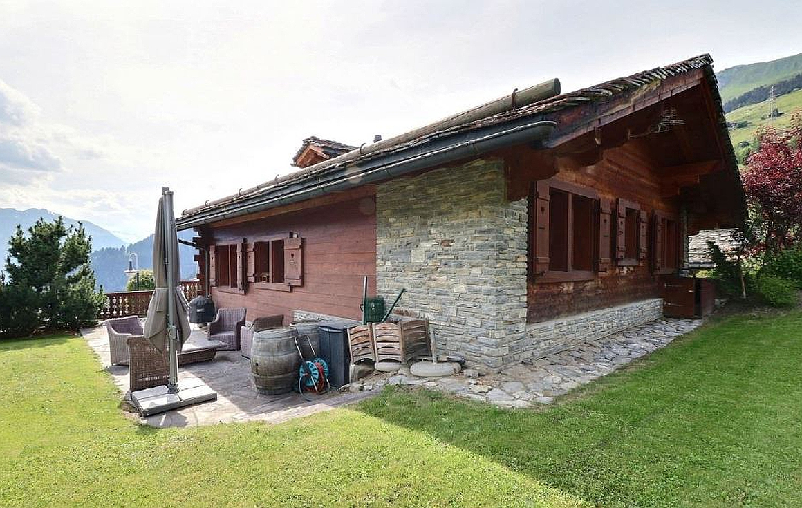 Rear of the chalet
