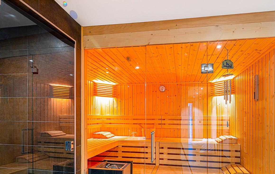 8 person sauna