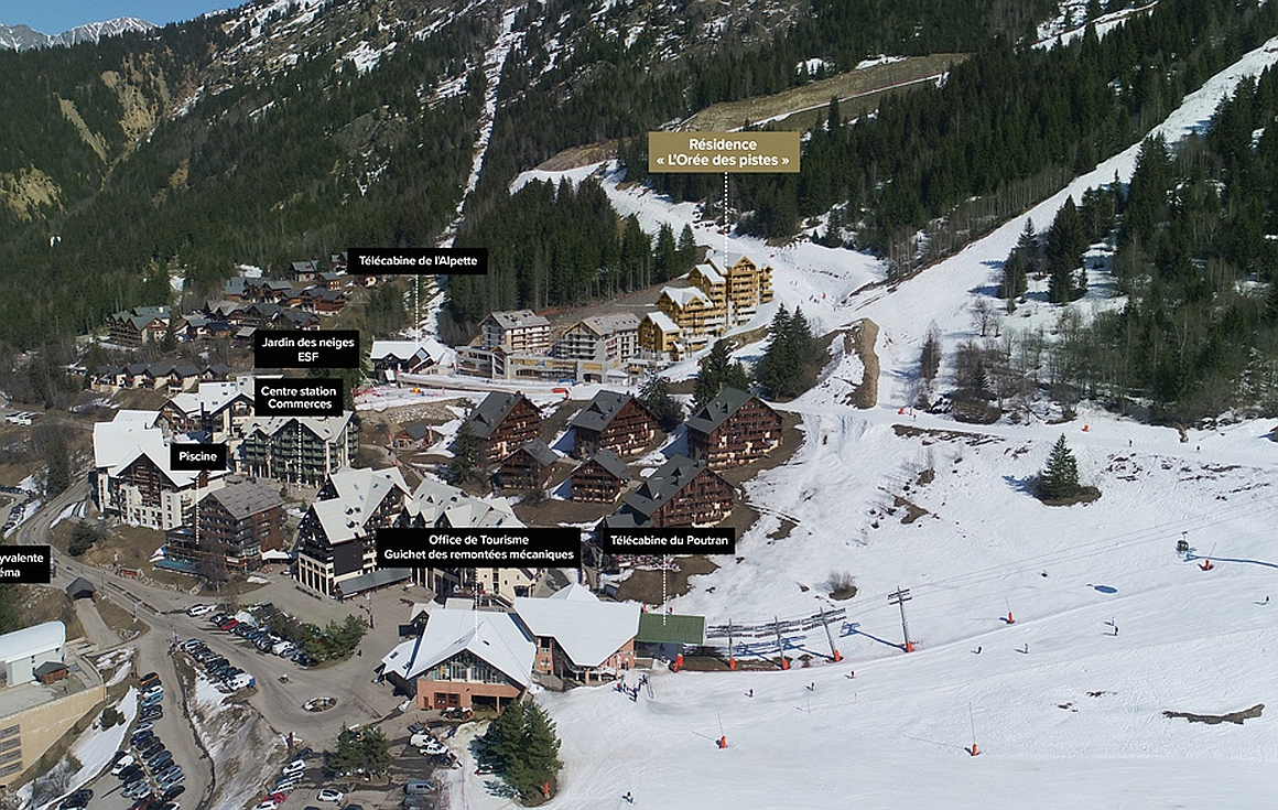 Implantation of building on piste