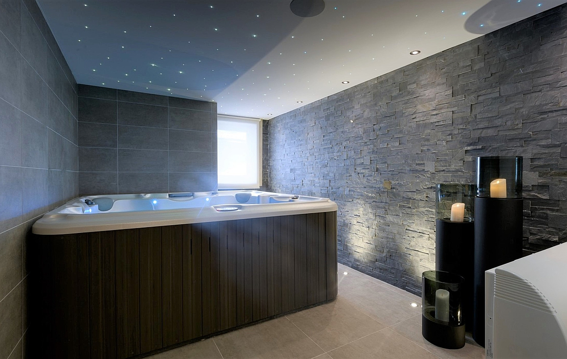 Example of a Jacuzzi room built by developer
