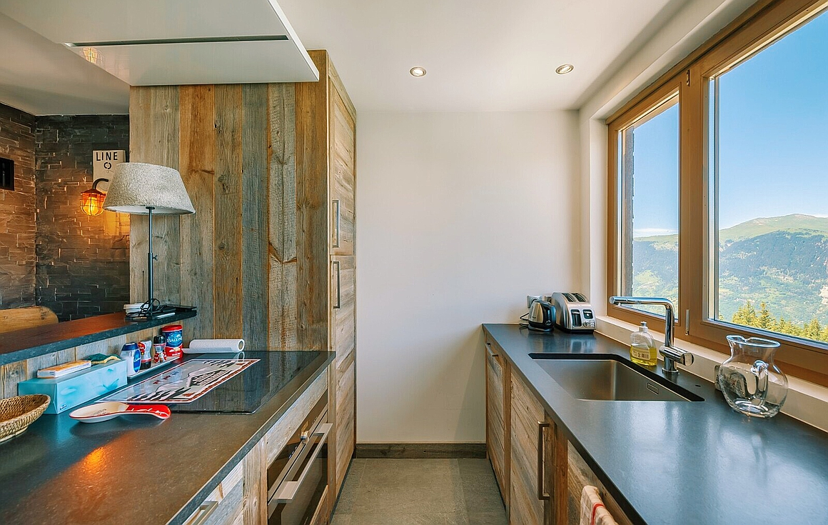 Kitchen area with superb view