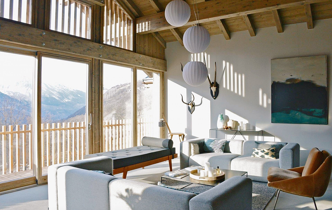 Living room with majestic view