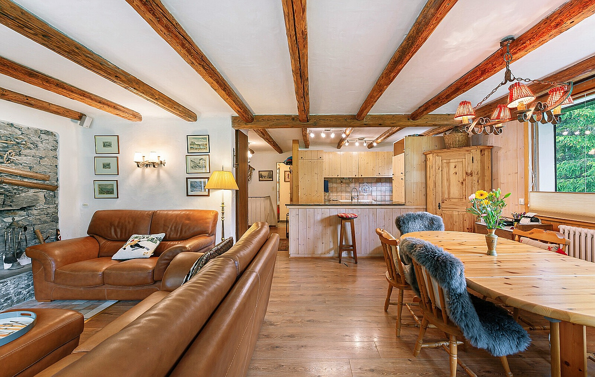 Living room fo the apartment for sale Courchevel