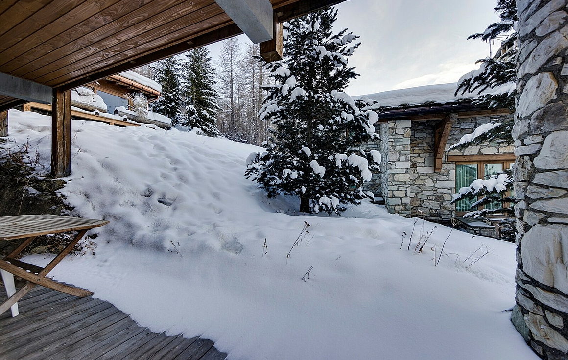 View outside the Chalet for sale in Val d'Isere