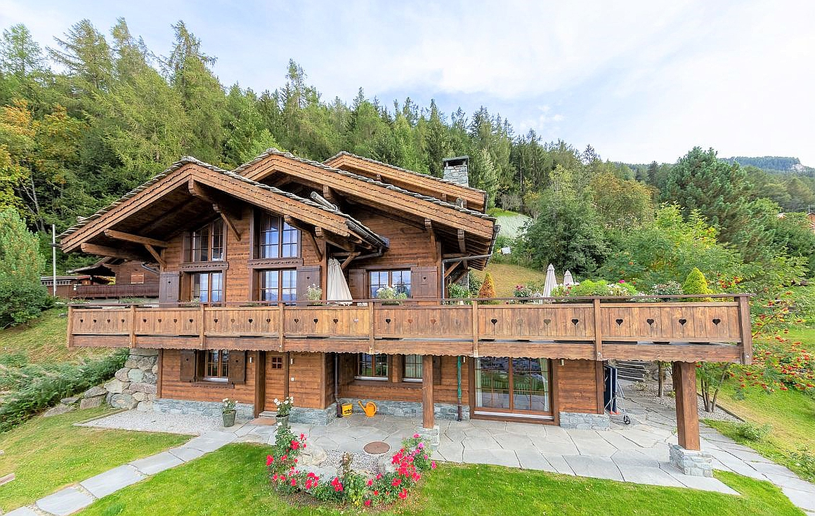 The fantastic chalet 300m from slopes