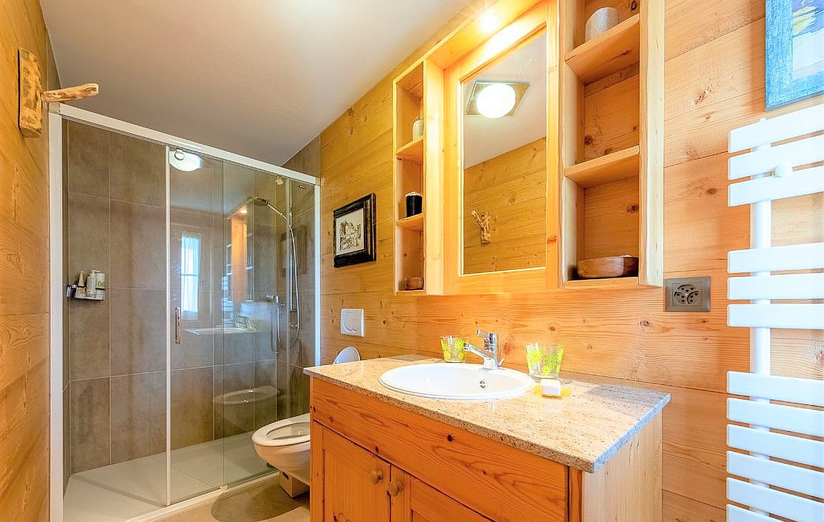 The chalet bathrooms