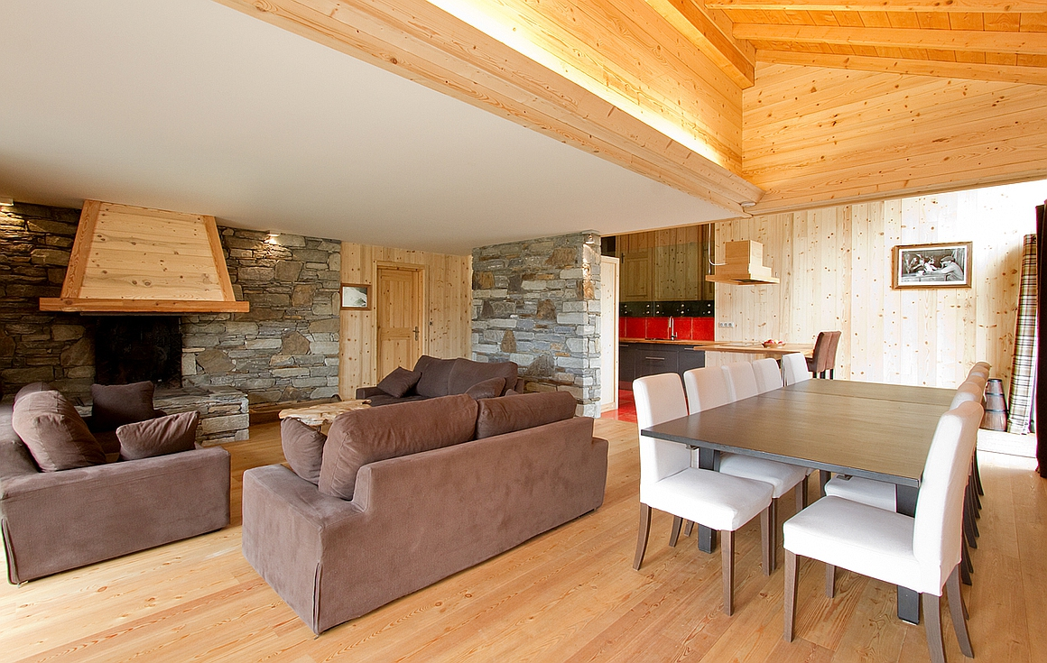 The living area of the second apartment for sale in Les Deux Alpes
