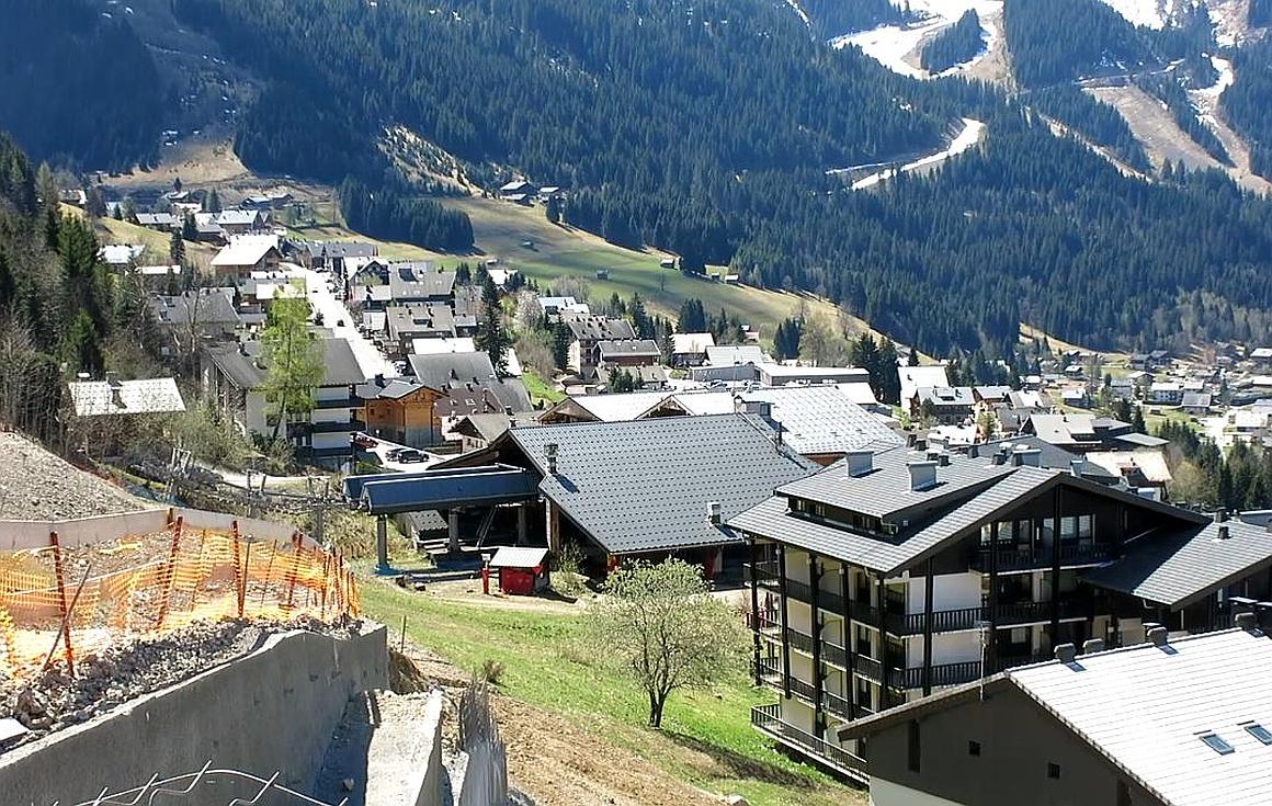 Super Chatel ski lift in Chatel