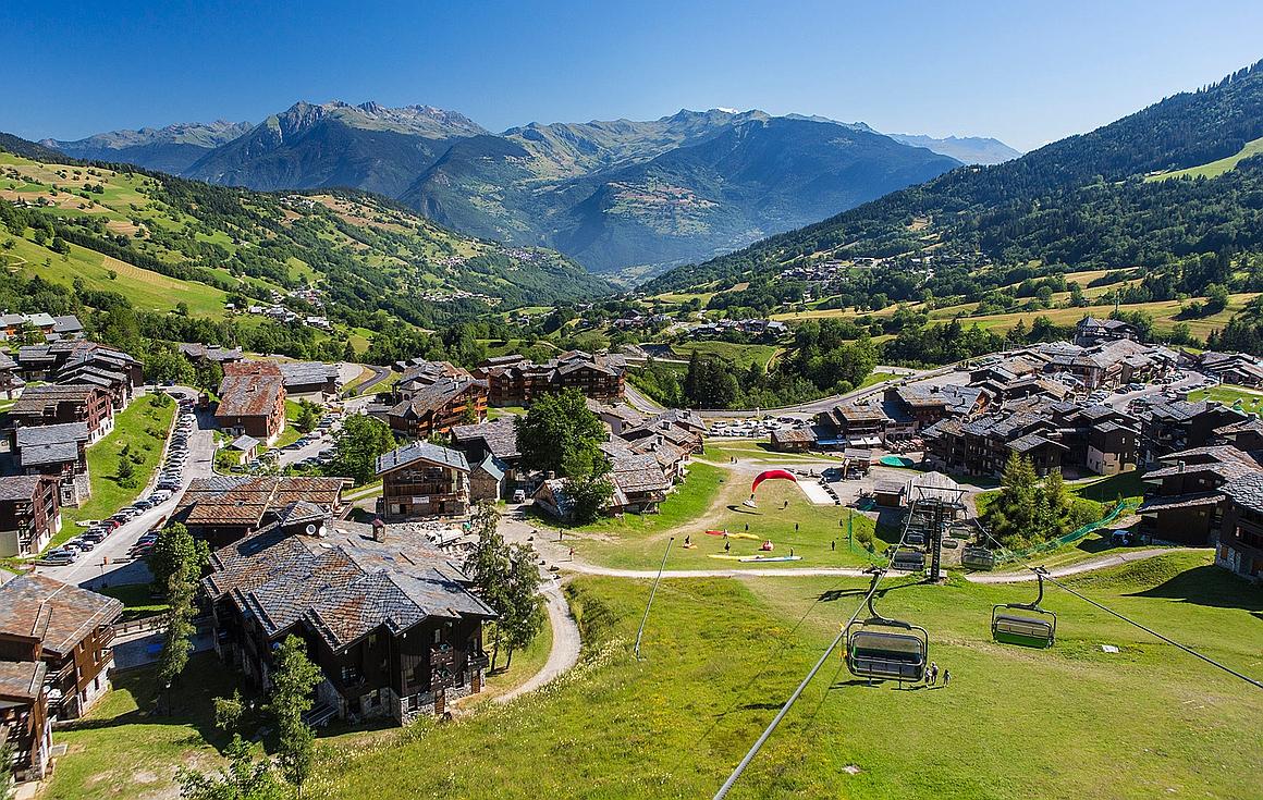 The dual season village of Valmorel