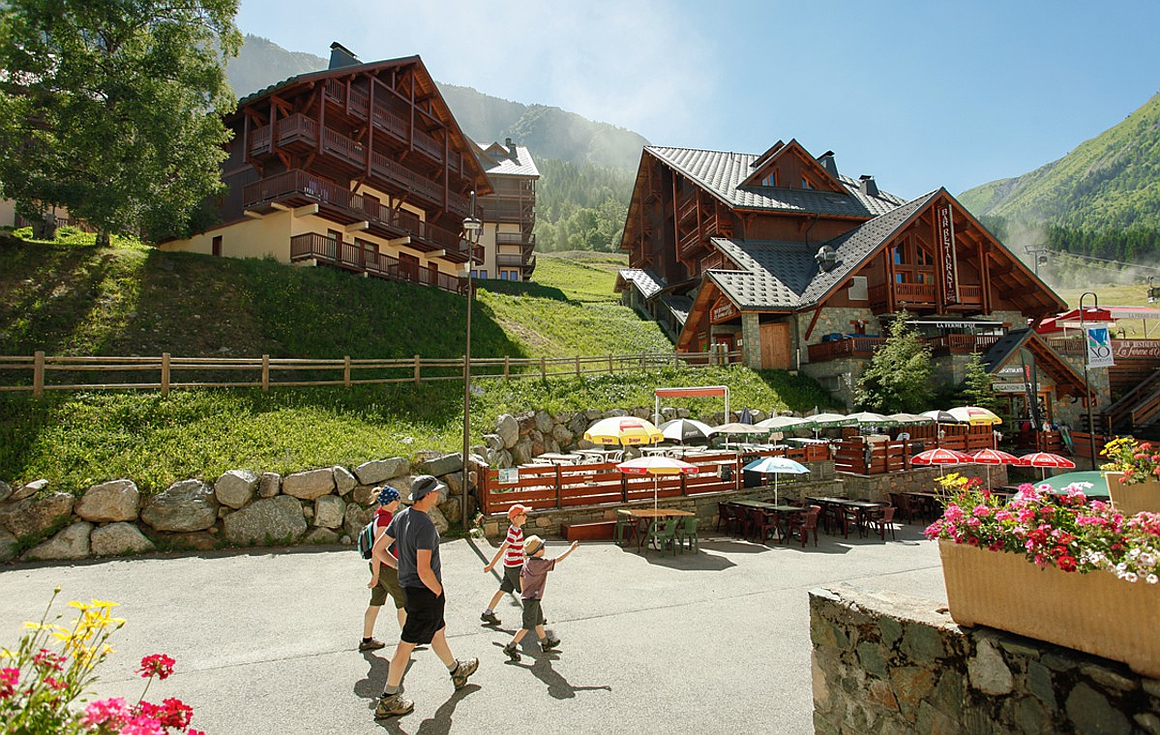 The village of Oz en Oisans
