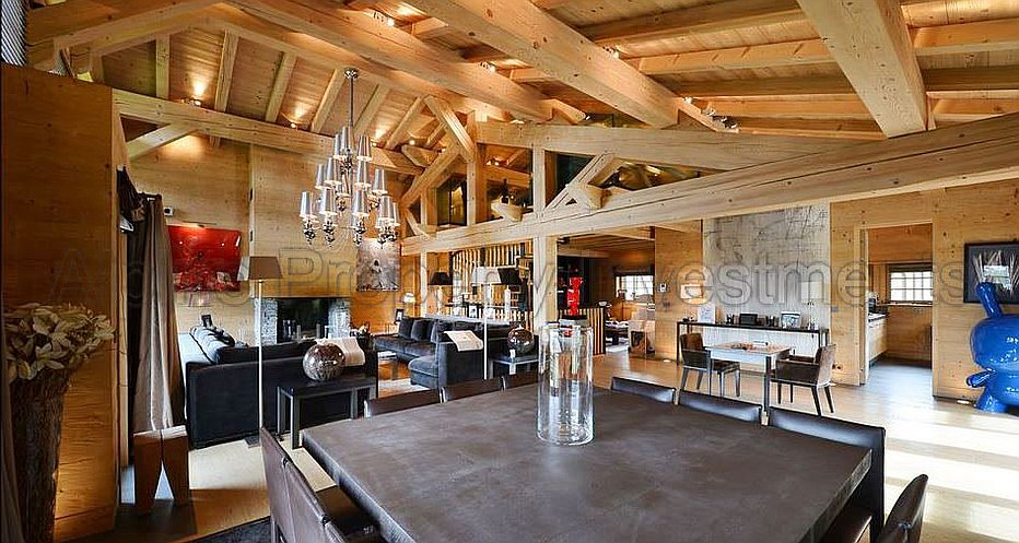 Cosy and contemporary interiors