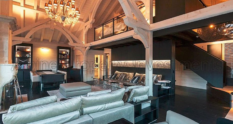 Huge living and dining area