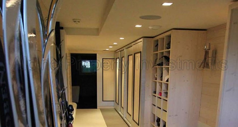 Fully equipped Ski Room