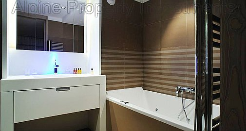 Bathrooms with Spa Jacuzzi baths