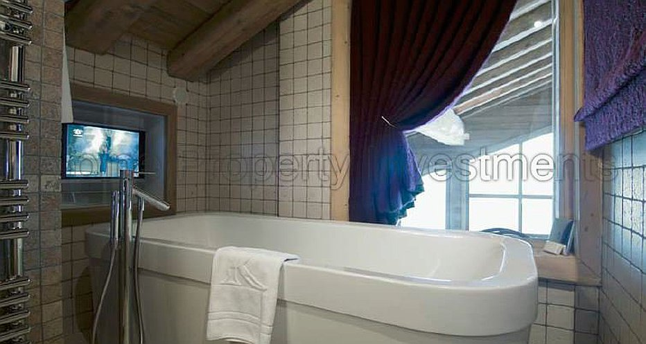 Luxury en-suite bathrooms