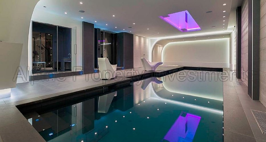 SPA with large swimming pool